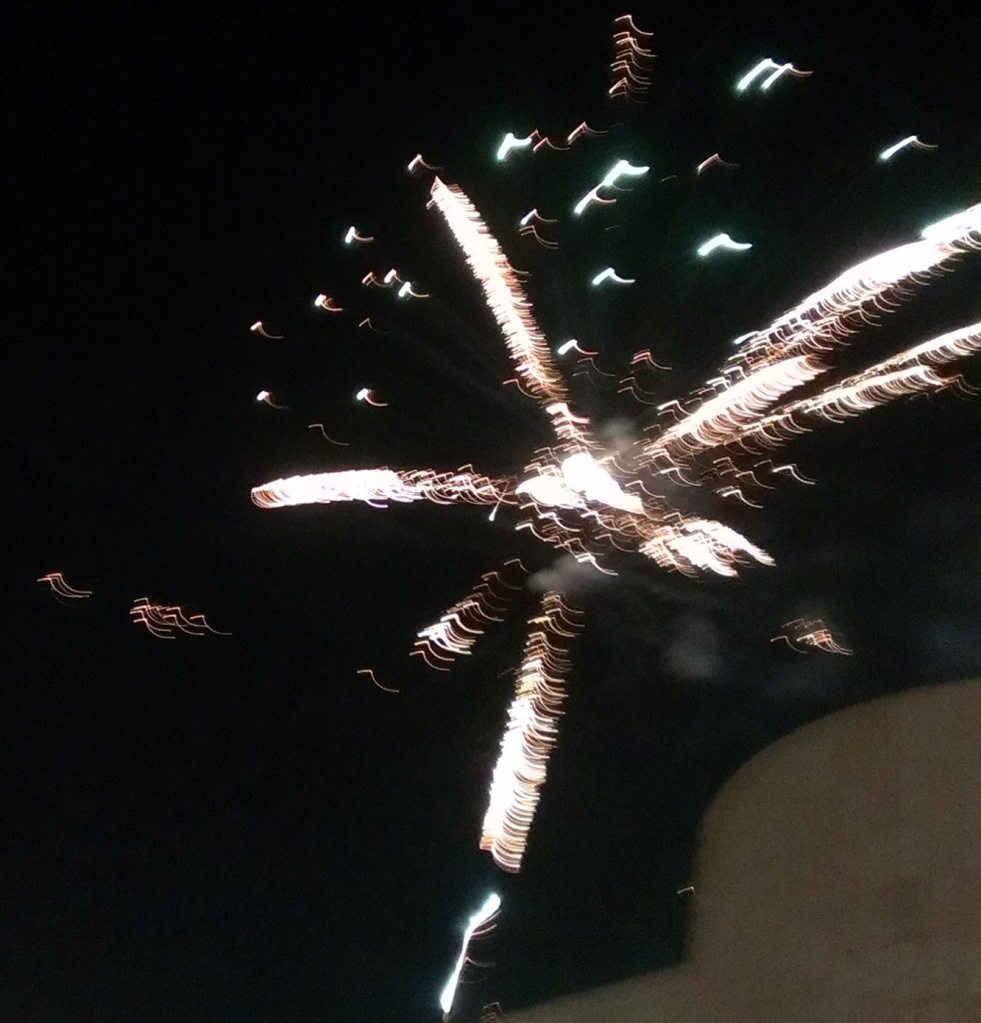 FLICKERING FIREWORKS FOR FREEDOM