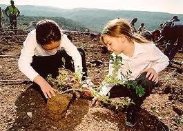 girlsplanting
